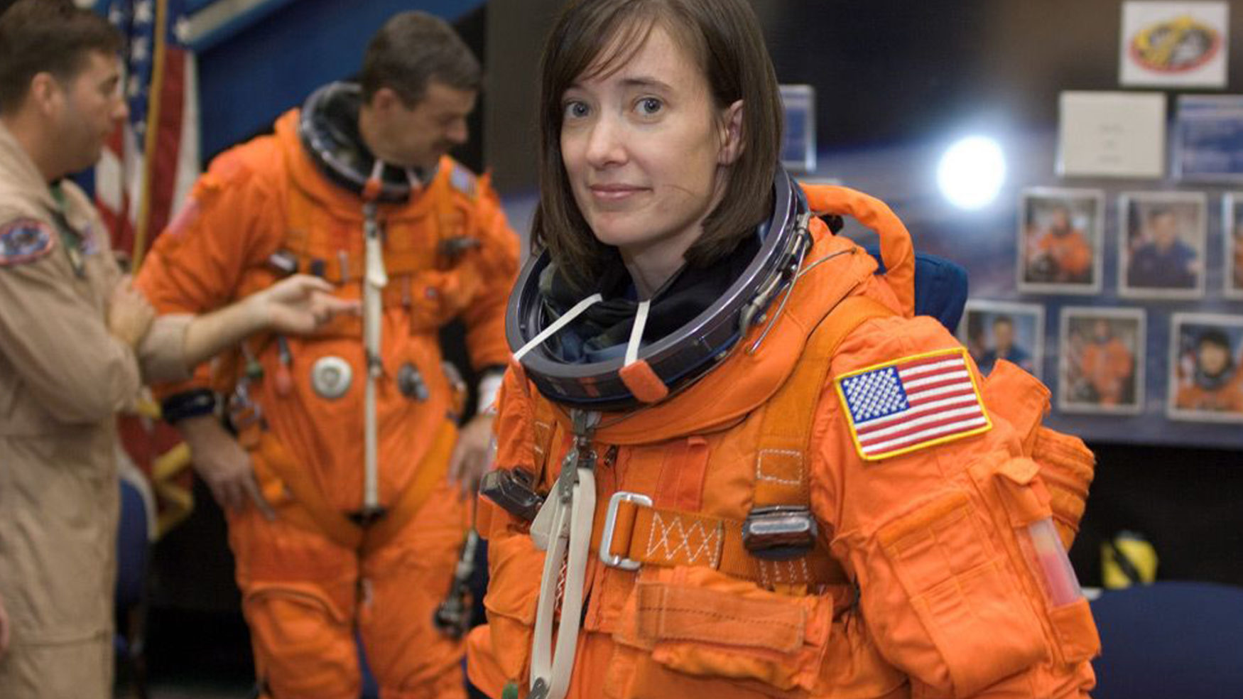 TAILGATE LIKE A NASA ASTRONAUT